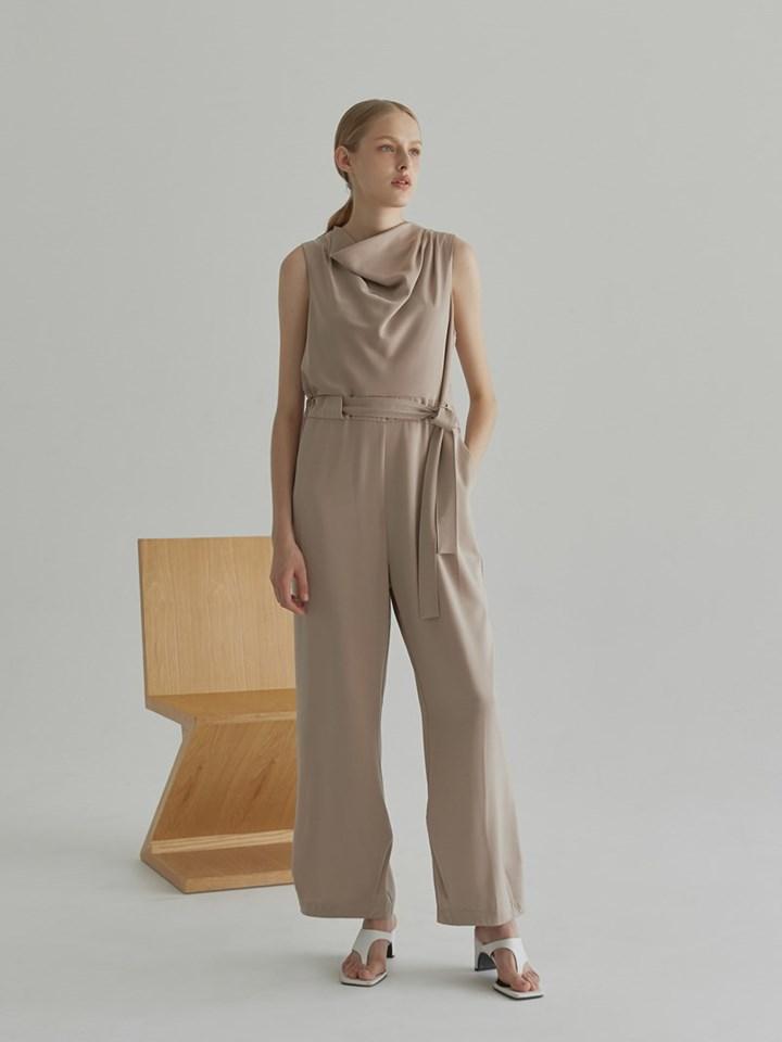Cowl Neck Sleeveless Jumpsuit垂墜領滑面無袖連身褲(附腰帶)