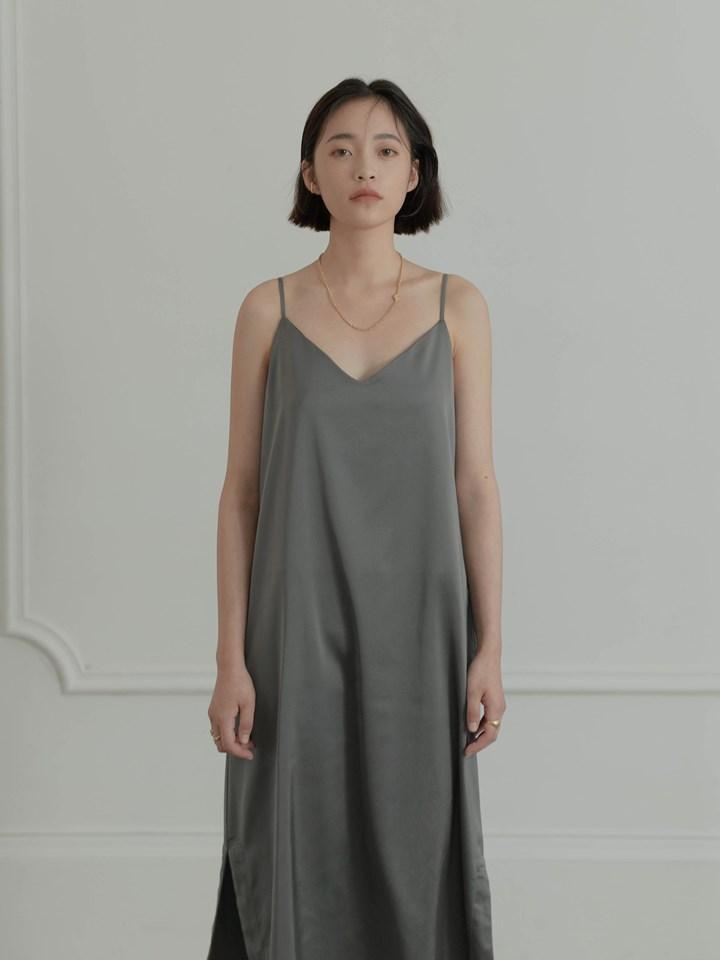 光澤挺版細肩帶洋裝