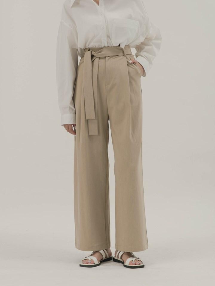 後大口袋挺版西褲