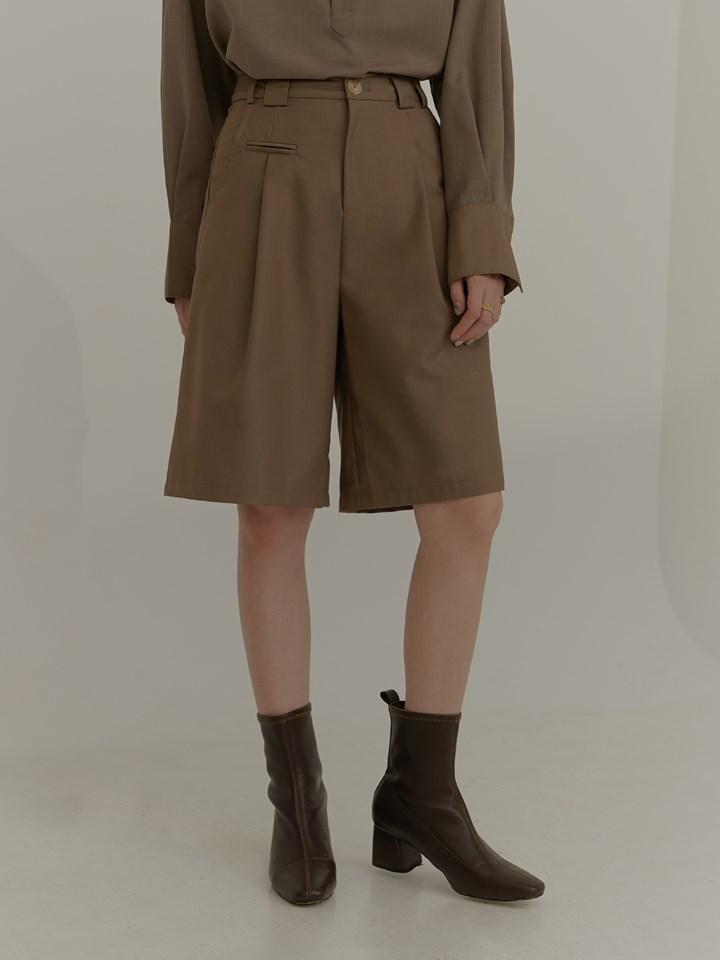 口袋裝飾細節西裝短褲