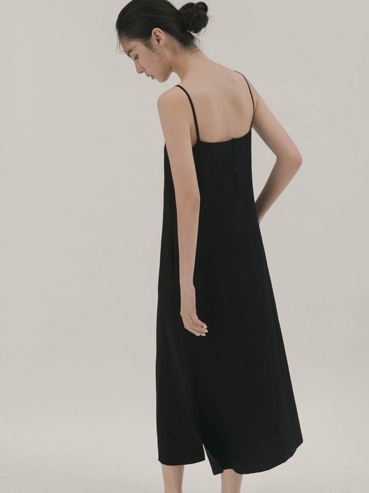 後排釦設計細肩帶洋裝