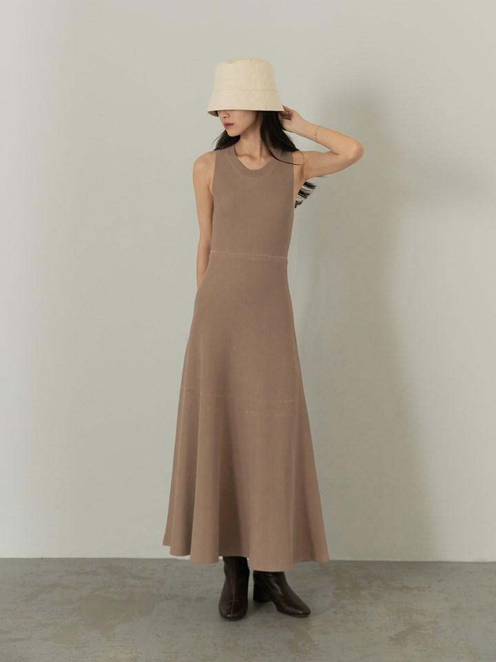 簍空織紋傘襬針織洋裝