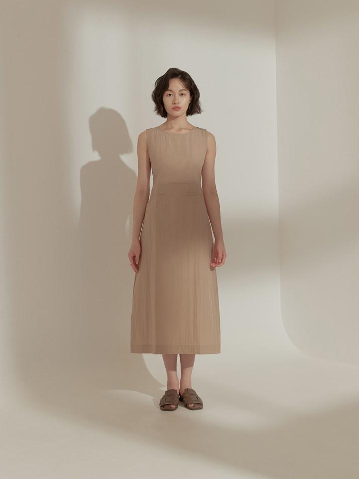 繭型輪廓背心洋裝