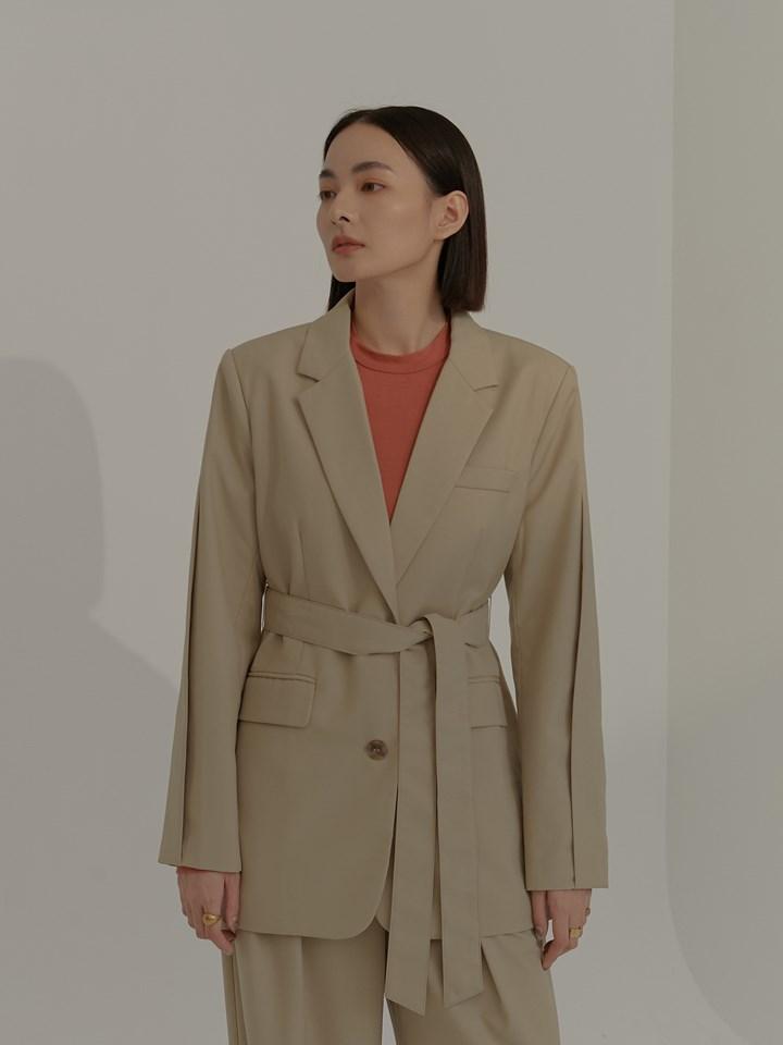 立體袖片西裝外套(附腰帶)