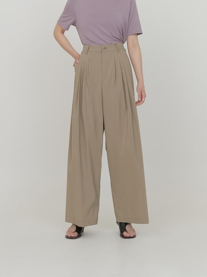 多褶蓬鬆風衣料寬褲